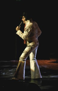 elvis-rob-kingsley-costume3